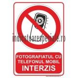 Fotografiatul cu telefonul mobil INTERZIS